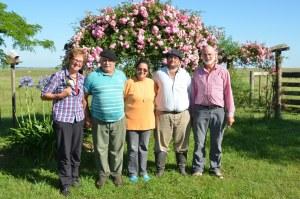 Wir und unsere Gastgeber auf der Estancia Yvytu Itaty