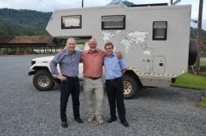 Mit den Herren Duwe und Bachmann vom Pomeroder Rexroth-Werk vor Leoni