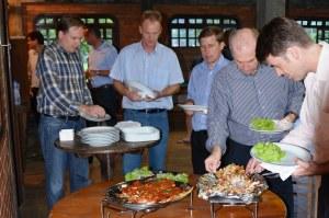 Fisch-Grill-Abend mit dem Management des Pomeroder Rexroth-Werkes