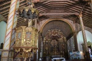 Üppig mit Guaraní-Holzschnitzereien ausgestattete Kirche in Yaguarón