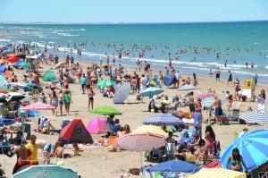 Nicht ganz einsamer Strand in Las Grutas