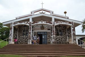 Mit Vogelmann-Symbolen verzierte Kirche in Hanga Roa