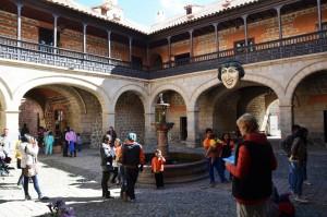 Eingangsbereich der Casa de la Moneda im ersten Innenhof