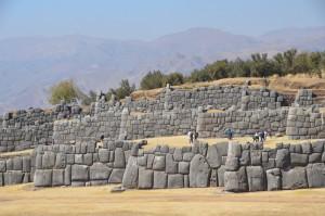Die drei hintereinander angeordneten Verteidigungsebenen von Sacsayhuaman