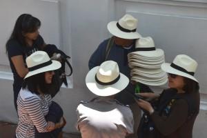 Erfolgreicher Panama-Hut-Verkäufer in Cuenca. Panama-Hüte kommen übrigens nicht aus Panama, sondern aus dem südlichen Ecuador