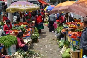 Obst- und Gemüsemarkt in Guamote