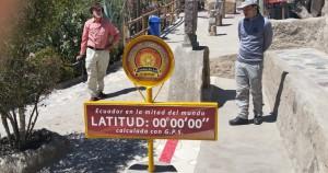 Falsche Äquator-Linie im Museum Intiñan