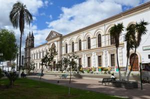 An der Plaza in Ibarra