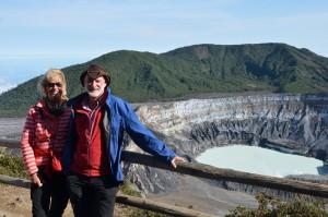 Am Kraterrand des Vulkans Póas
