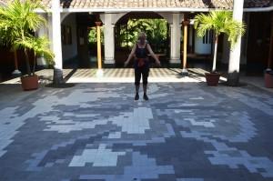 Mosaik im Innenhof der Casa de los Leones