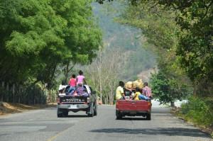 Personentransport erfolgt in Guatemala wie in den anderen mittelamerikanischen Ländern auch.