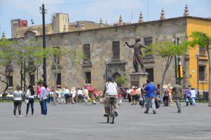 Hidalgo-Denkmal auf der Plaza de la Liberación in Guadalajara