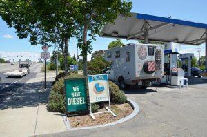 Nicht überall bekommen wir Diesel.