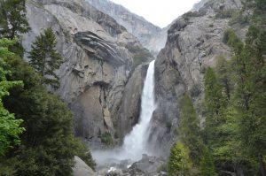 Die Lower Yosemite Falls