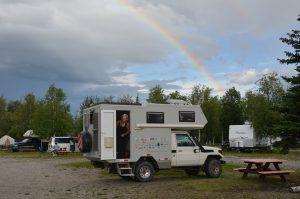 … und erstrahlt am folgenden Tag auf dem Campingplatz in Nenana in alter Schönheit.