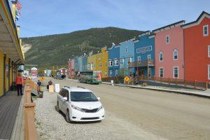 Neuer Straßenzug in Dawson City, der sich erstaunlich gut ins Gesamtbild einfügt