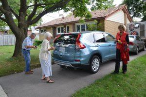 Mit Hart und Marilyn vor deren Haus in Waterloo, Ontario