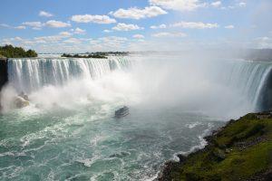 Die Horseshoe Falls sind der eindruckvollste Teil der Niagara-Fälle.