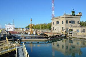 Welland-Kanal, Lock No. 7: Ein Schiff ist gerade eingefahren …